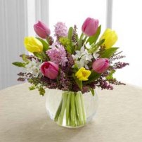The FTD® Bountiful Beauty™ Bouquet, USA