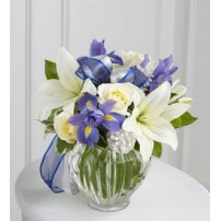 The FTD® Miracle`s Light™ Bouquet, USA