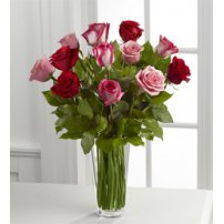 El FTD ® True Romance ™ Rose Bouquet, USA